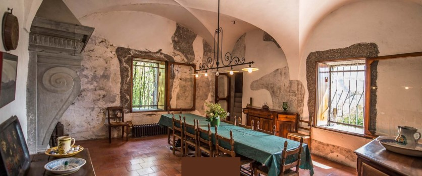 Rocca Martinengo di Monte Isola Interni Sala da pranzo