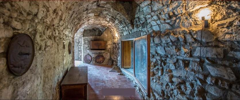 Rocca Martinengo di Monte Isola Interni corridoio