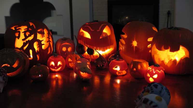 Halloween jack-o-lanterns.