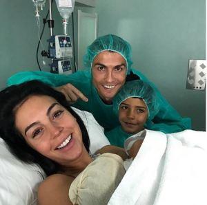 Cristiano Ronaldo devine tată pentru a patra oară