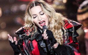 La 59 de ani Madonna face senzație pe Instagram cu o poză topless