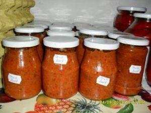Zacusca de mere: un preparat exotic. Preparare fara probleme!