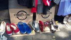 The Street Store - magazin gratuit pentru oamenii strazii