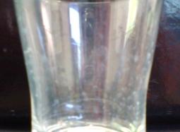 食用酢を利用した石けんカス除去実験