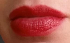 Bobbi Brown Nourishing Lip Color - Poppy - Swatch on lips in natural light