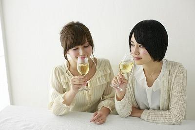 白ワインに含まれる「有機酸」と「アルコール」の、2つの成分がポイント