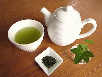 """風邪予防に効く飲み物の""""王様""""はやはり「緑茶」"""