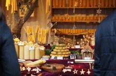 Weihnachtsmarkt Christmas market Germany bee candles beeswax Kerzen