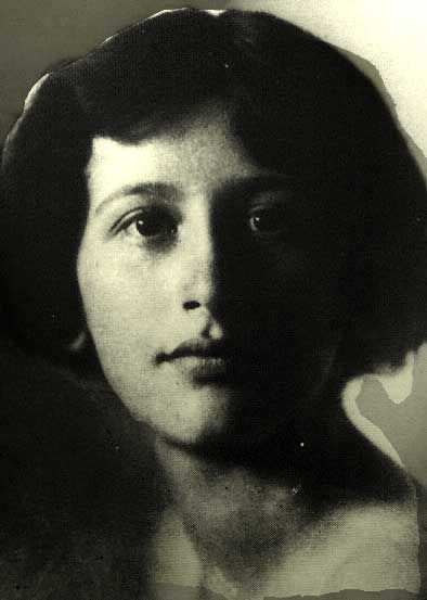 Simone-Weil-Portrait-1