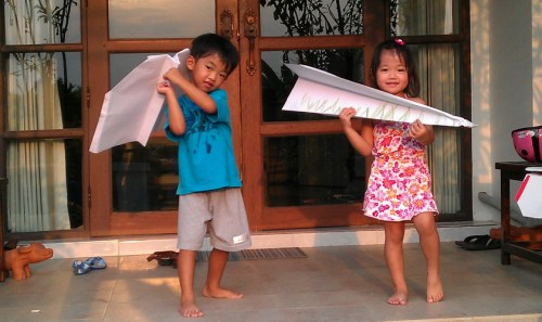 2013-04-03paper-airplanes01