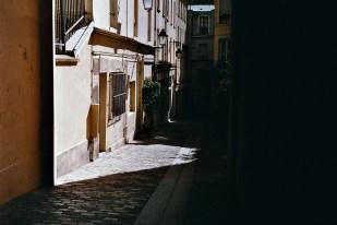 1000 Days in Paris-26