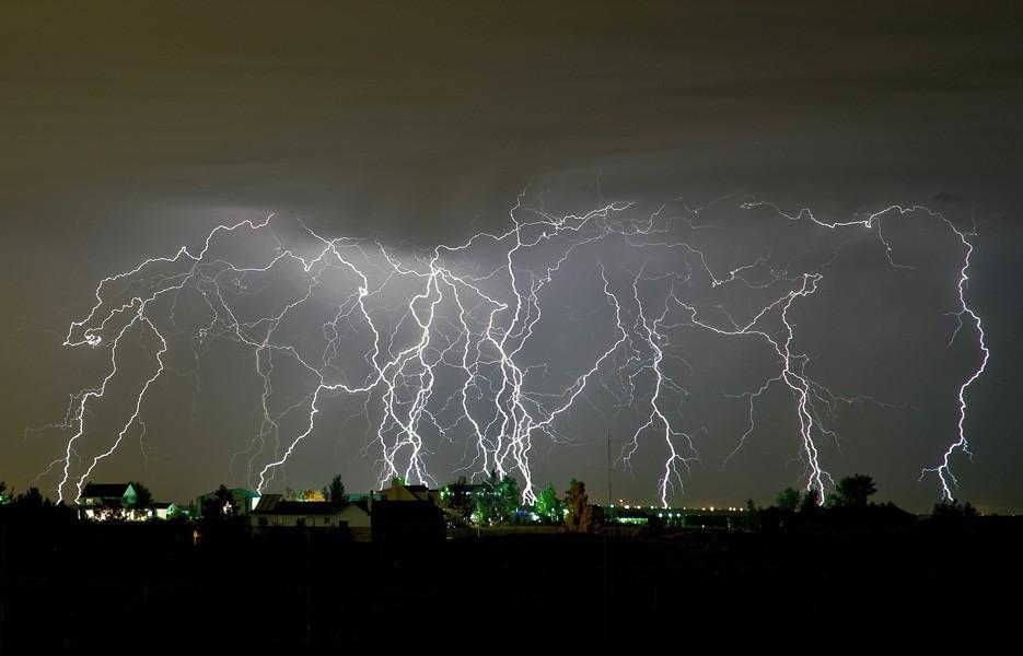 lots-of-lightning-935-2