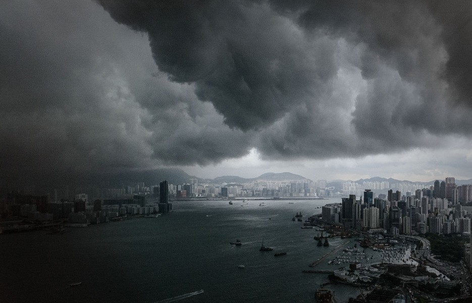 ominous-clouds-city-935