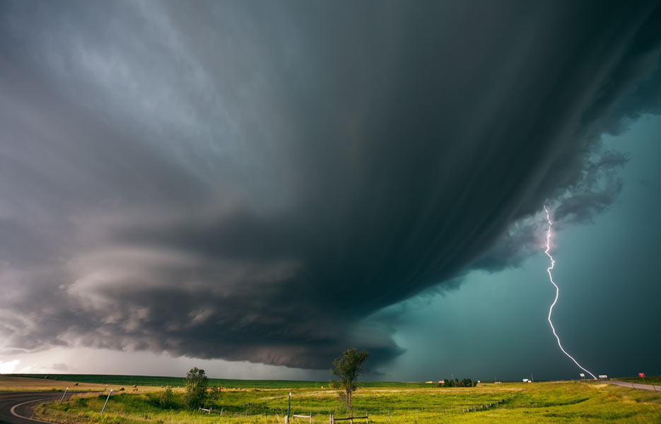 storm-chaser-10-935x600-1-1