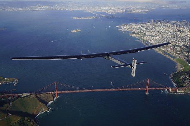 Image: Solar Impulse 2 plane and Golden Gate Bridge
