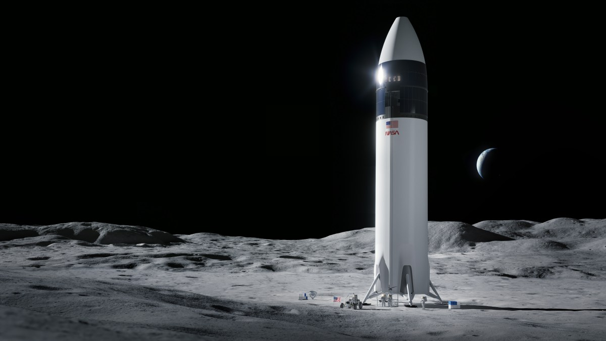 SpaceX Starship on the moon