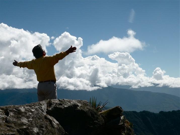 CMS Peru_Peruvian Elder Willaru Hyuata Teaching_05