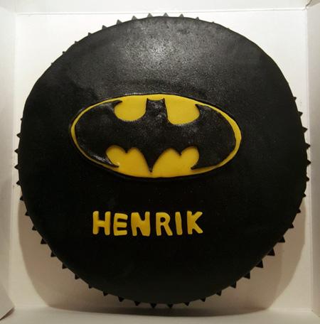 Na-na-na-na-na-na-na-na-na-na-na-naa Batman.