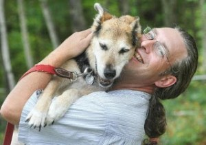 Senior dog becomes an Internet star
