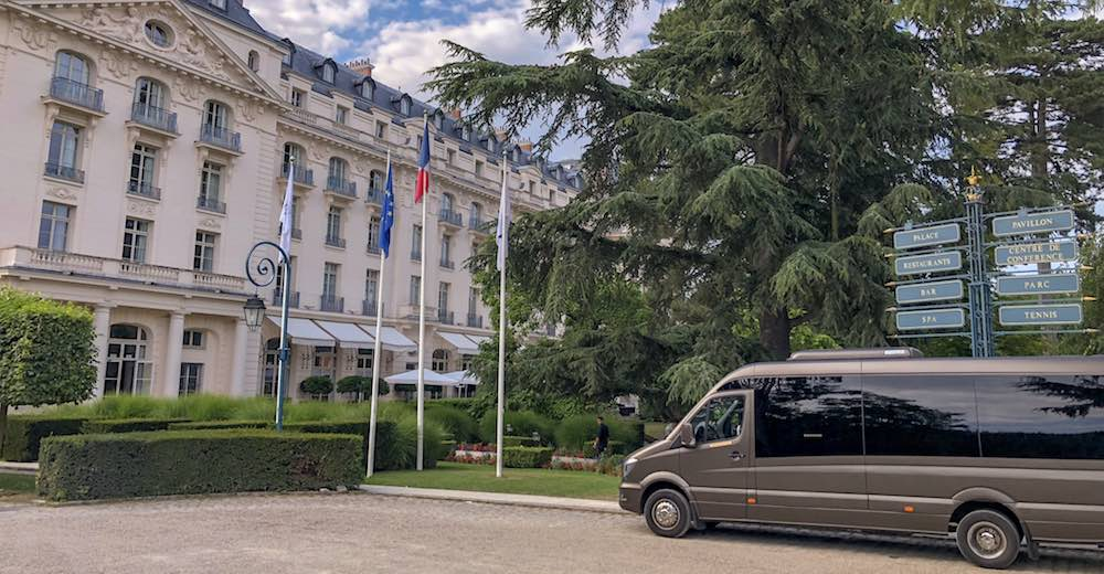 Shuttle service to Paris from the Trianon Palace Versailles, a Waldorf Astoria hotel