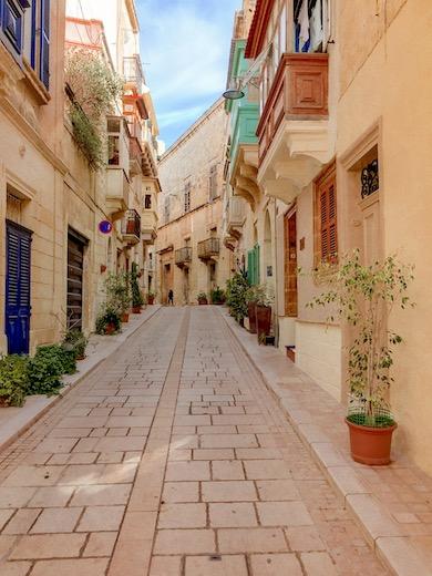 The gorgeous streets of Birgu - Vittoriosa, one of Three Cities Malta