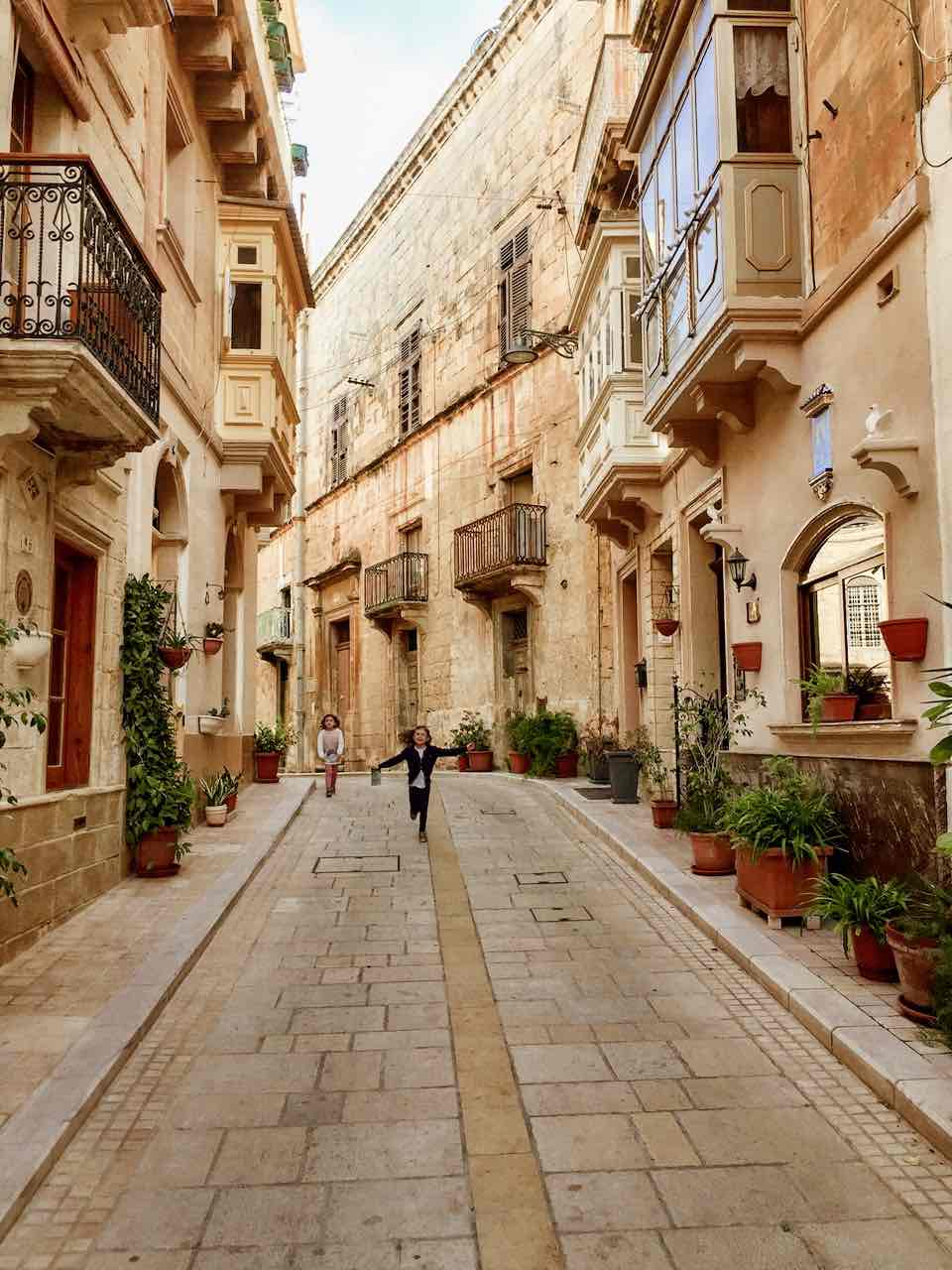 The pretty streets of Birgu - Vittoriosa, one of Three Cities