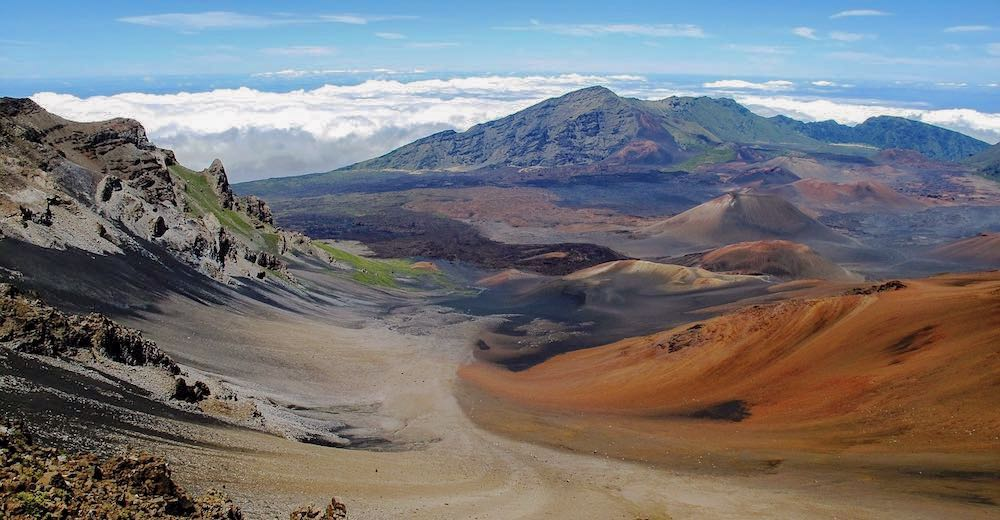 The views one can expect when hiking the Sliding Sands Trail, an epic volcano hike on Maui, Hawaii
