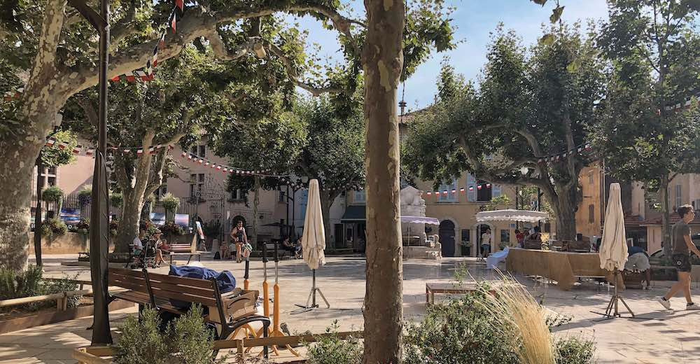 Place Baragnon in the heart of Cassis village in Southern France