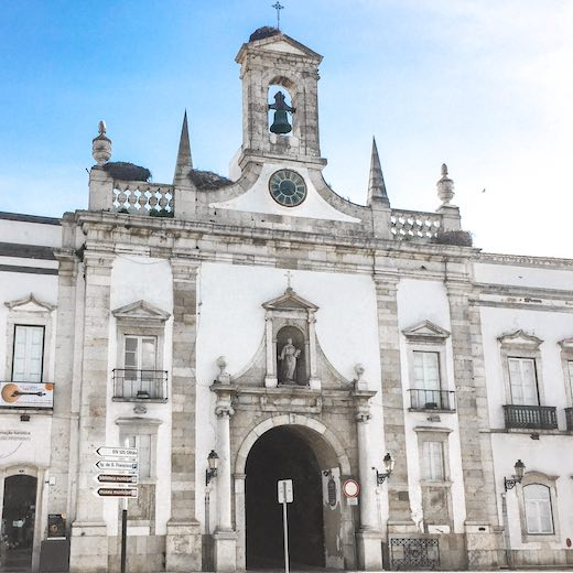 Behind this Faro city gate, you'll find the municipal museum and the Faro Cathedral