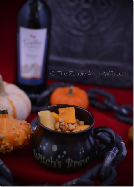 Pumpkin Chili from The Foodie Army Wife | #SundaySupper