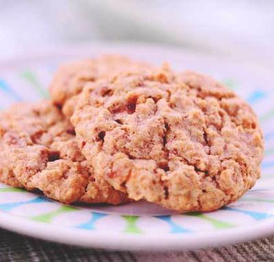 Candy Bar Oatmeal Cookies and 18 More Recipes to Use Up Holiday Candy