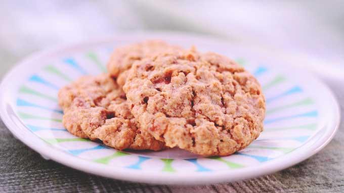Candy Bar Oatmeal Cookies