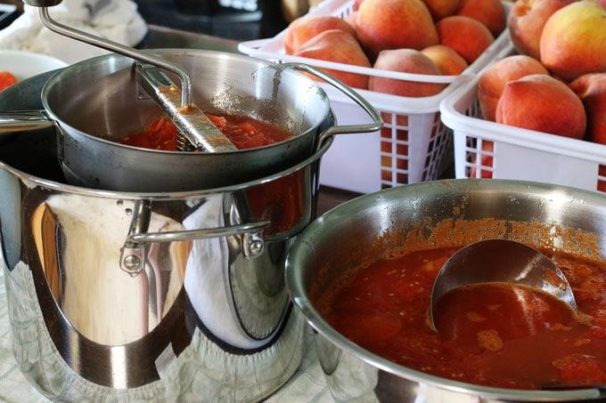 How to Make Homemade Tomato Sauce from Cosmopolitan Cornbread
