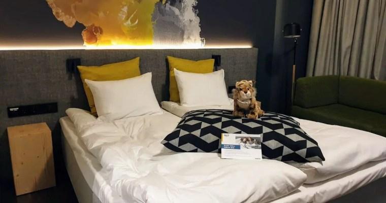 Catastrophic dinner & superb bed