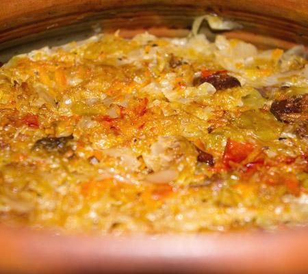 Mâncare de varză murată cu afumatură