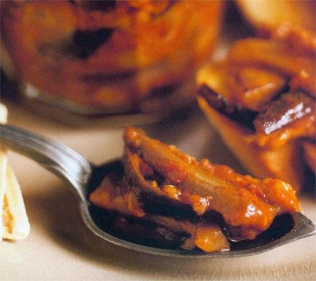 Vinete cu usturoi și sos de roșii