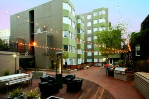 An outdoor lounge area at AVA Nob Hill, an apartment in San Francisco that AvalonBay owns and manages. (CoStar)