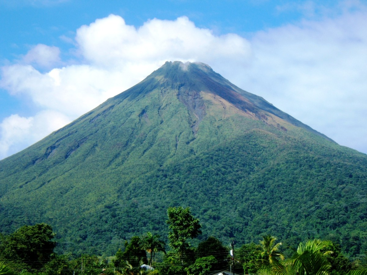 save money on Costa Rica tours