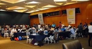 En el maratón de soluciones tecnológicas Business Hackathon 2014 participaron más de 200 alumnos de todo el estado, quienes aceptaron el reto de generar una propuesta innovadora y eficiente que resolviera problemas específicos de empresas veracruzanas a través de las nuevas tecnologías de la información y el conocimiento.