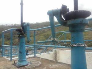 Fuerzas de Seguridad Pública Estatal rompieron las soldaduras de las cadenas, que los ejidatarios hicieron para que las válvulas no permitieran el flujo del agua hacia Coatzacoalcos.