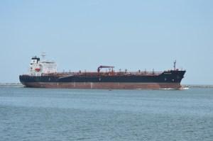 Una de las poderosas naves ya están en operaciones. El Kukulcán, que esta tarde fue abanderada.