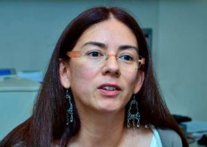 Zaira Domínguez, química UV.