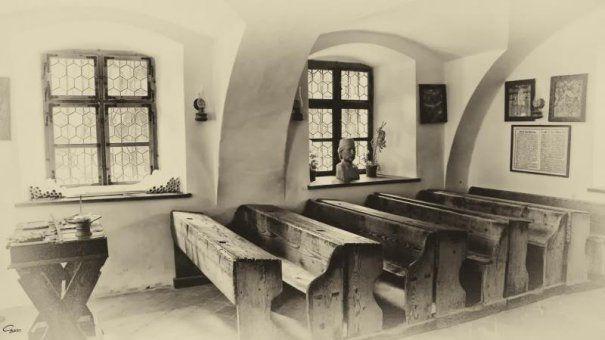 prima-scoala-romaneasca-a-fost-deschisa-in-1495-465x390