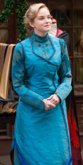 Robe bleue de denise