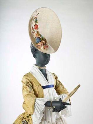 robe 1740s (2)