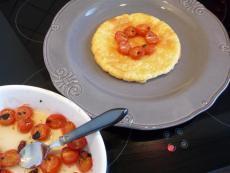 tarte-fine-fruits-rouge-amp-tomates-cerise-co-L-2PCgCG2