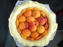 tarte-rustique-abricots-amp-amandes-L-Lw6rlb3