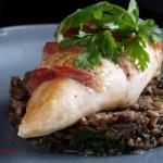 Blanc de poulet au jambon de Bayonne sur duxelles de champi