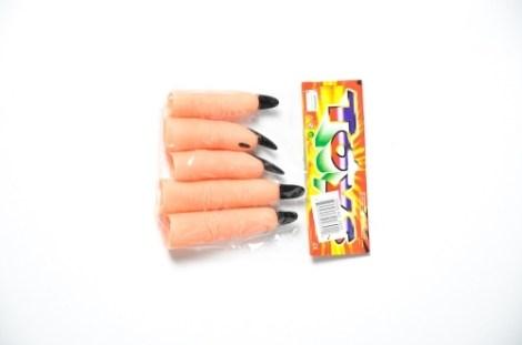 Dedos uñas negras
