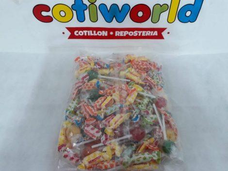 Bolsa de chupetines y caramelos surtidos para piñatas x520gr.